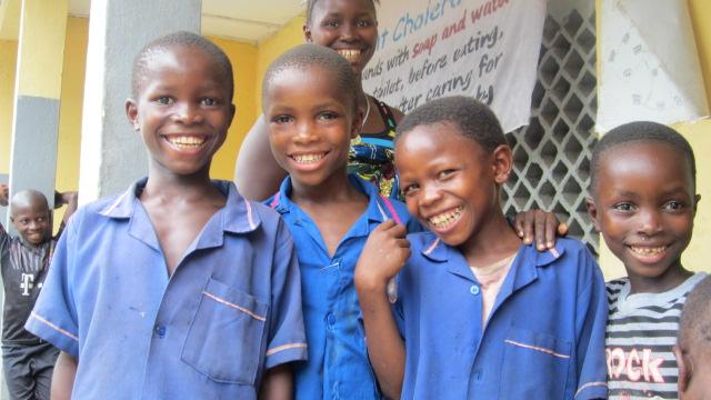 kenema-village-schoolchildern